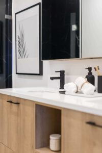 Horizon 21 Presentation Centre - bathroom